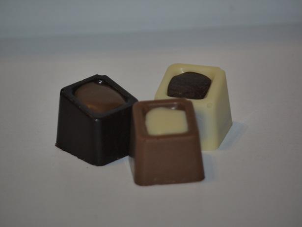 Praliné noisette chocolat noir, Bicolore