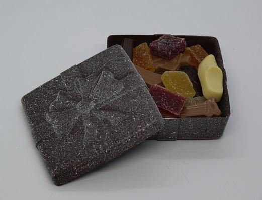 Boite cadeau enneigée garnie, artisan chocolatier Beauvais Oise