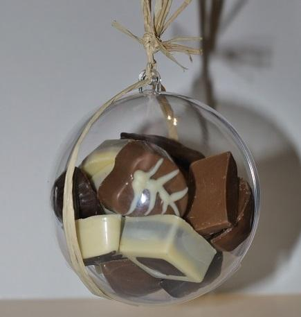 Boule a suspendre garnie, artisan chocolatier Beauvais Oise