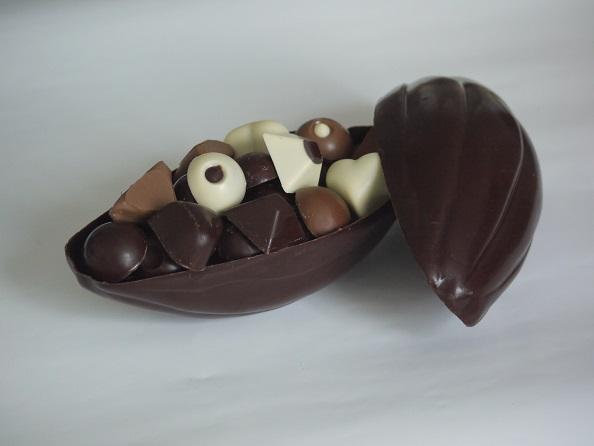 Grande cabosse de 150g, peut être garnie de 300g de chocolats