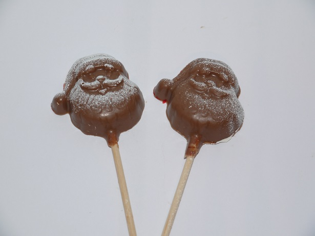 Sucettes Père Noël enneigés en chocolat